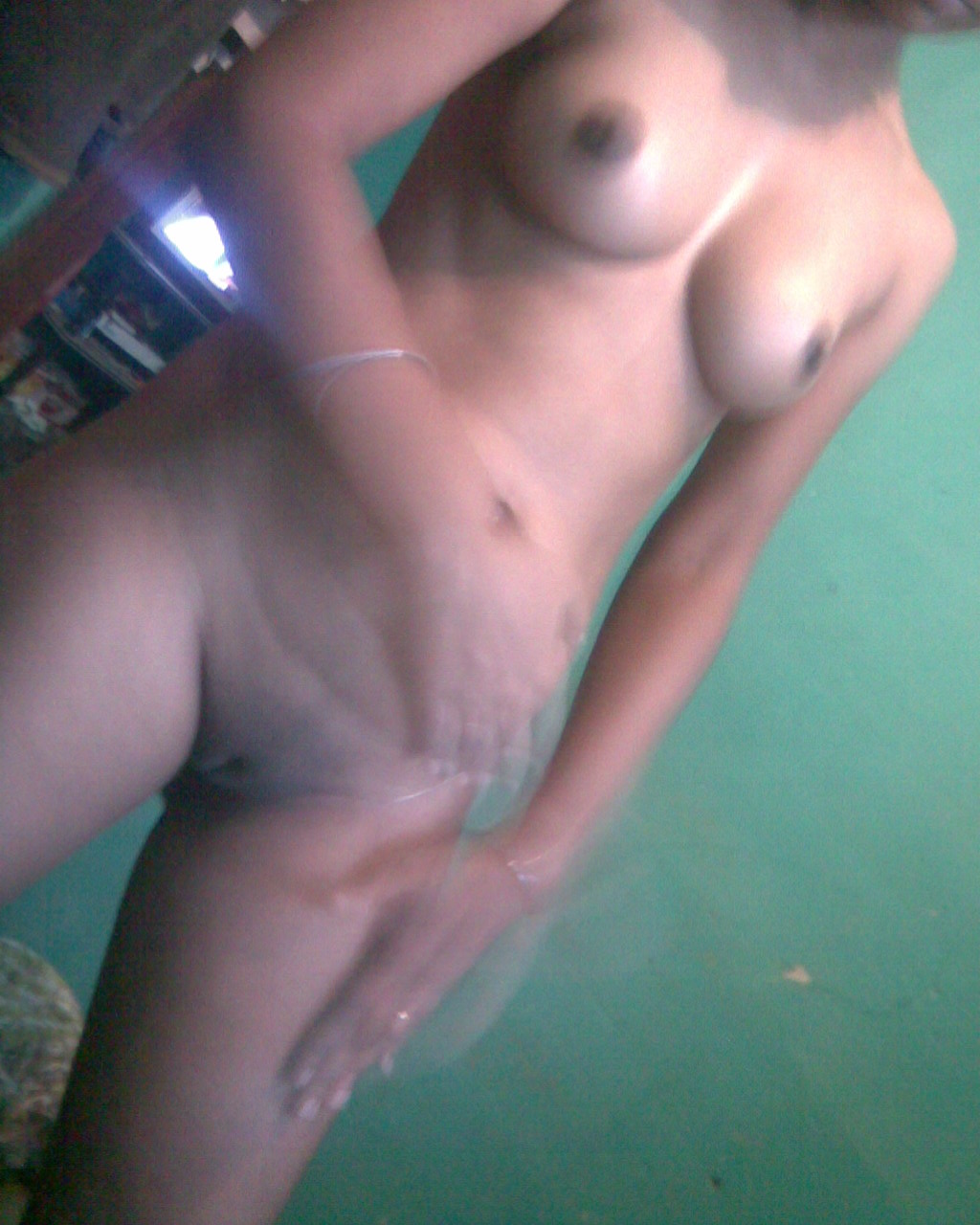 Totaly Naked Tamil Girl