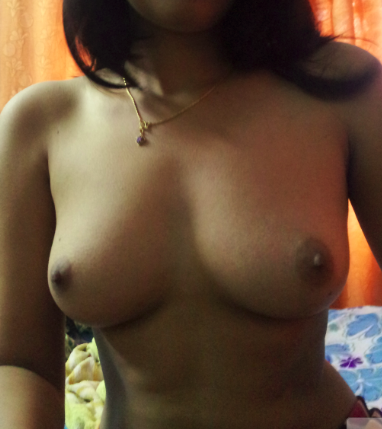 Indian women exposed breasts