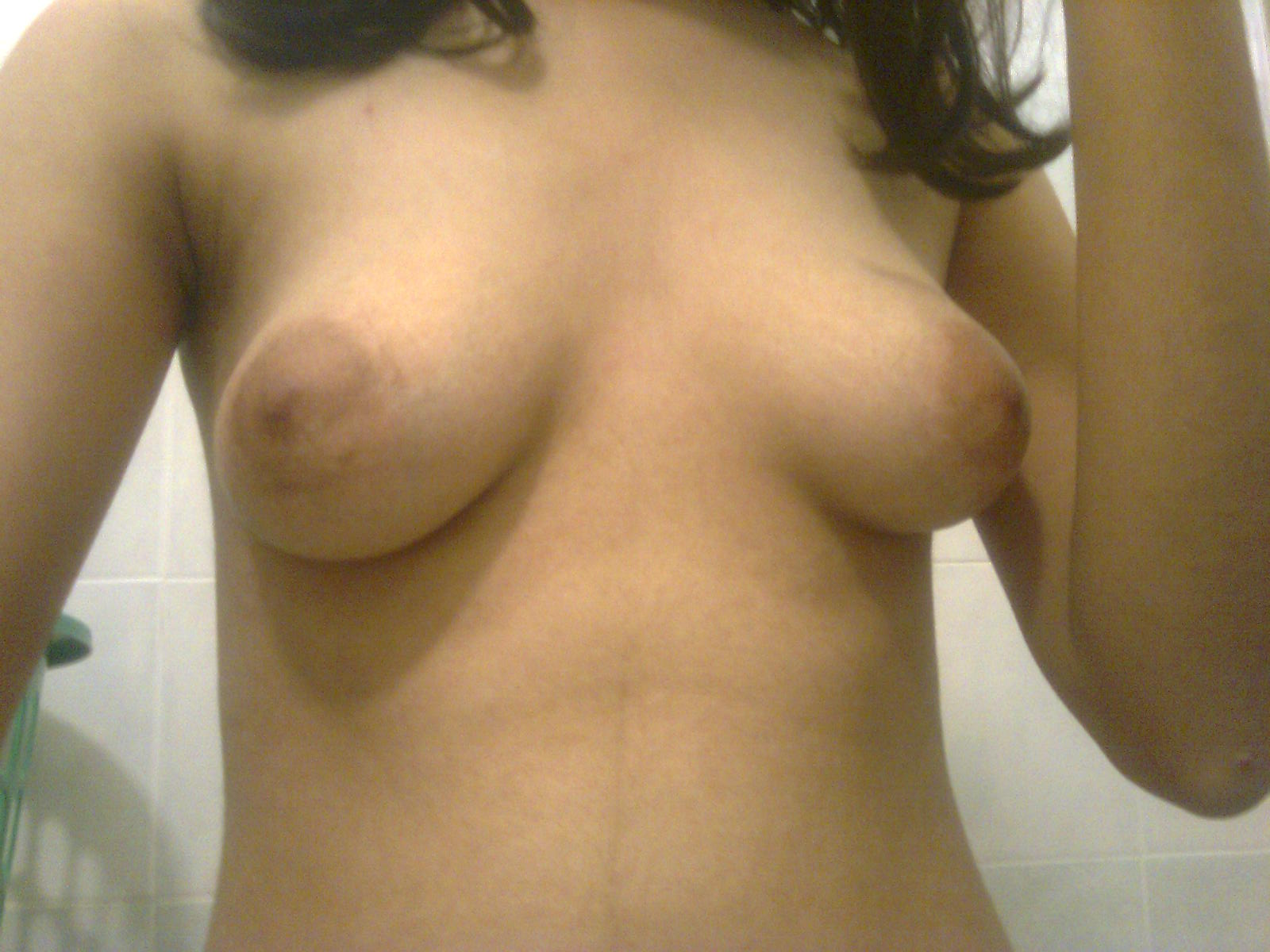 19 Year Old Indian Girlfriends Pussy And Boobs Pics - Real -8772