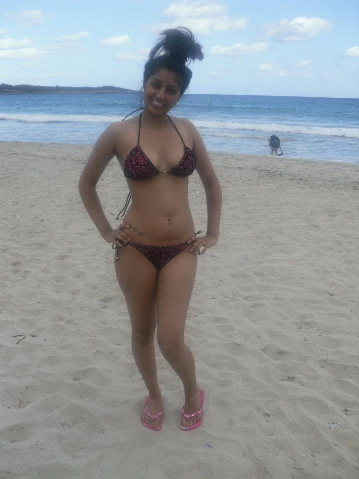 Busty Indian Babe Loves Showing Tits At The Beach - Real -8420