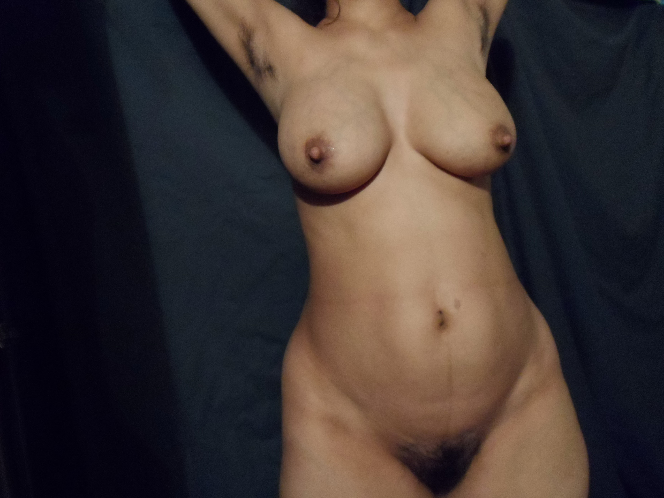 hairy armpit of indian women