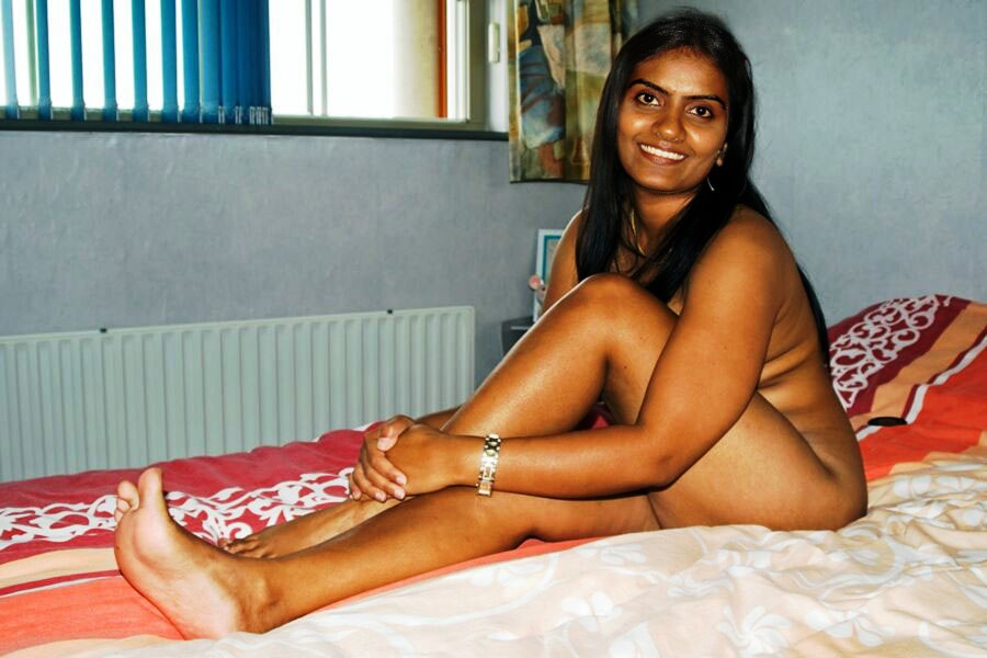 indian-babe-reshma-nude-international-amateur-adult-video